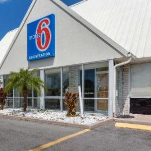 Hotels near Cool Today Park - Studio 6-Englewood FL