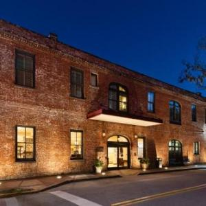 Lucas Theatre Hotels - Staybridge Suites Savannah Historic District