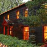 1795 Acorn Inn Bed and Breakfast