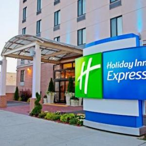 Kings Theatre Brooklyn Hotels - Holiday Inn Express Brooklyn