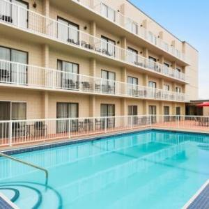 Hotels near Key City Theatre - Days Inn & Conference Centre By Wyndham Cranbrook