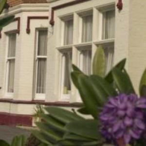 Denewood Hotel