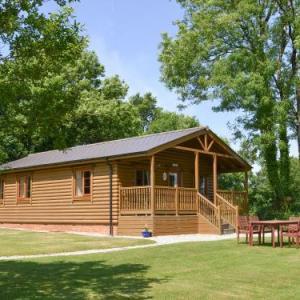 Tarka's Holt Log Cabin