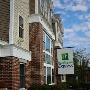Cowell Stadium Hotels - Holiday Inn Express Durham - Unh