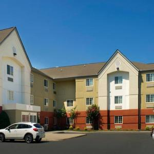 Hotels near Hadad's Lake - Candlewood Suites Richmond - South