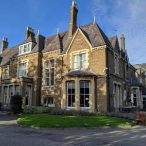 Oxford Town Hall Hotels - Cotswold Lodge Classic Hotel