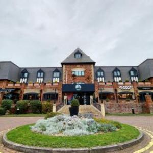 Stockport Plaza Hotels - Village Hotel Manchester Cheadle