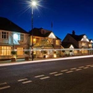 Hotels near Hylands Park - County Hotel