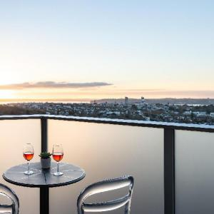 Hotels near Hollywood Avondale Auckland - Haka Hotel Suites - Auckland City