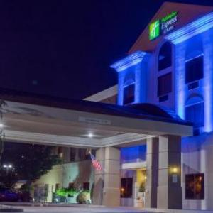Hotels near The Newton Theatre - Holiday Inn Express Hotel & Suites Newton Sparta