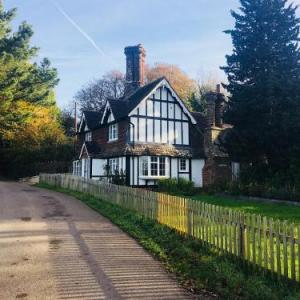 Danny Lodge - Three Bedroom Country Cottage