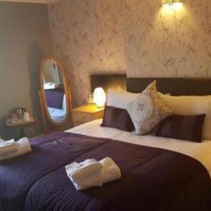 Hotels near Heswall Hall - Peel Hey