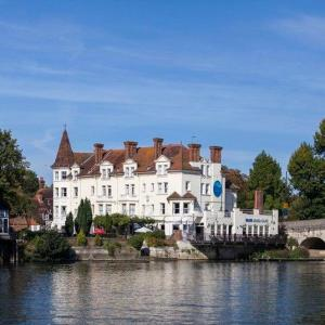 Hotels near Temple Island Meadows - The Thames Riviera Hotel