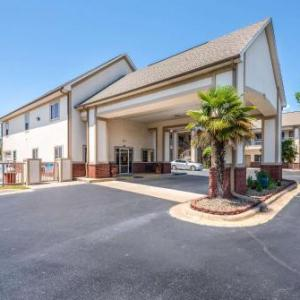 Econo Lodge Inn & Suites Bryant