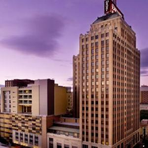 Hotels near Historic Sunset Station - Drury Plaza Hotel San Antonio Riverwalk