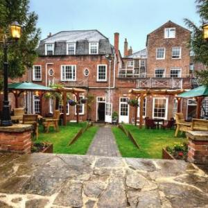 Hotels near Newbury Corn Exchange - The Chequers Hotel