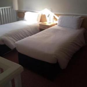 Moreton Park Hotel