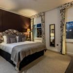 Hotels near Kew Gardens - Coach & Horses Hotel