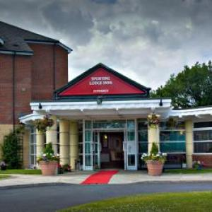 Leigh Sports Village Hotels - The Greyhound Hotel