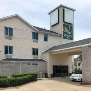 Quality Inn & Suites Roanoke - Fort Worth North