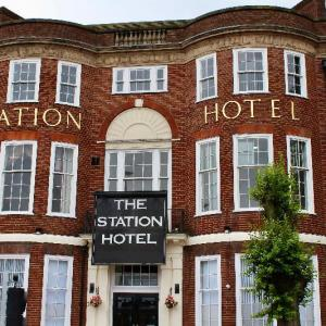 Hotels near Dudley Town Hall - Station Hotel