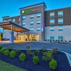 Holiday Inn Express & Suites -Lexington W -Versailles