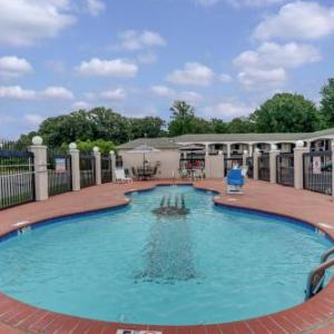 Hotels Near Graceland Mansion Memphis Tn Concerthotelscom