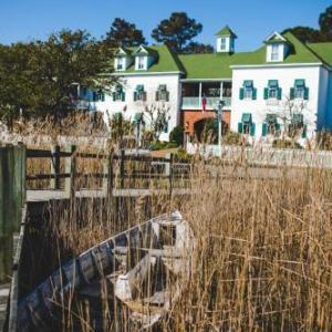 Roanoke Island Festival Park Hotels - Roanoke Island Inn