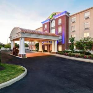 Ho Chunk Sports Complex Hotels - Holiday Inn Express & Suites Schererville