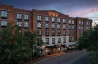 Courtyard By Marriott Savannah Downtown/Historic District Image