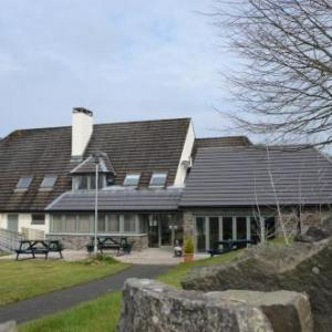 Neuadd Henllan Lodge