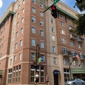 Hotels near Trustees Theater - Holiday Inn Express Savannah-Historic District