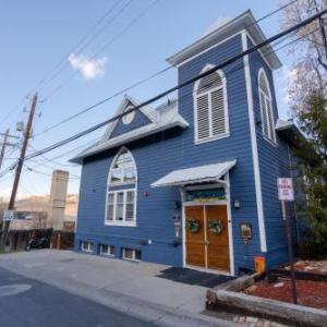 The Blue Church Lodge