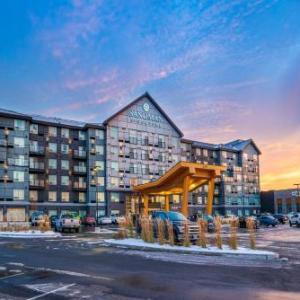 Hotels near Nepean Sportsplex - Sandman Signature Ottawa Airport Hotel
