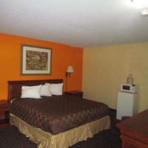 Red Carpet Inn - Augusta