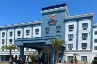 Comfort Suites Jacksonville Image