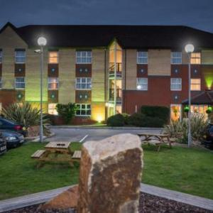 Hotels Near University Of Salford Holiday Inn Manchester West
