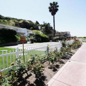 Geoffrey's Malibu Hotels - Malibu Country Inn
