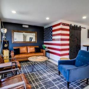 Americana Modern Hotel