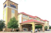 Comfort Inn & Suites San Antonio Near Six Flags - University