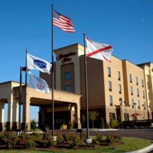 Hotels near Heart of Dixie Railroad Museum - Hampton Inn Calera