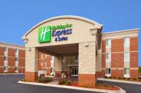Holiday Inn Express Hotel & Suites Auburn Hills Image