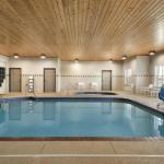 Country Inn & Suites By Radisson, Kansas City At Village West, K