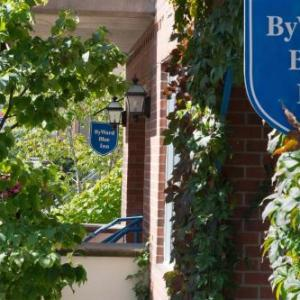 Hotels near National Gallery of Canada - ByWard Blue Inn