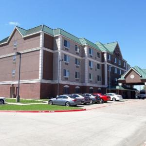Country Inn & Suites DFW South