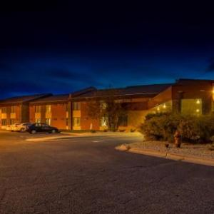 Ames Center Hotels - Prime Rate Inn