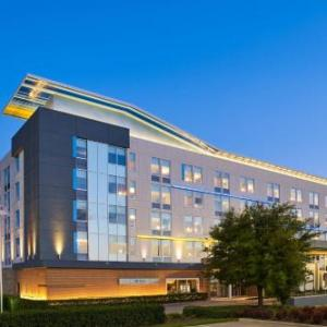 Hotels near Dr Pepper Arena - Aloft Frisco