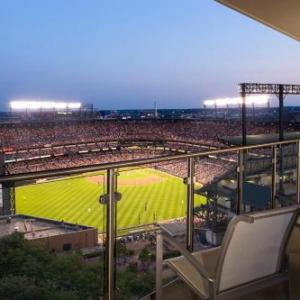 Oriole Park at Camden Yards Hotels - Hilton Baltimore Convention Center