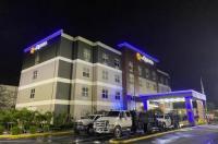 La Quinta Inn & Suites Tampa Central Image