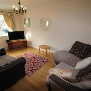 2 Bedroom Cottage In Cardiff